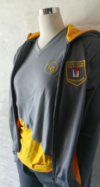 escuela-basica-luis-galdames-2-buzo-conjunto-deportivo